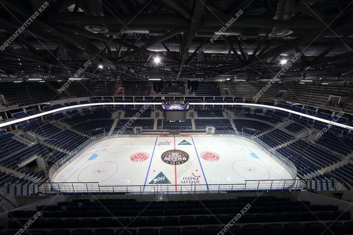 Сколько вмещает втб арена ледовый дворец