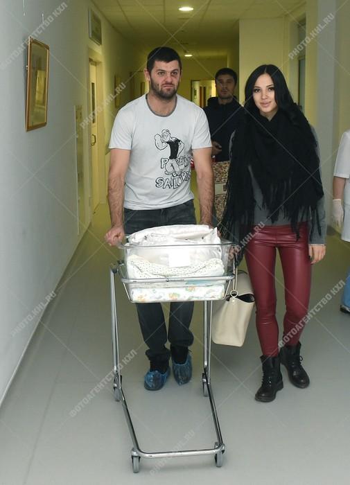 Александр Радулов биография, фото, личная жизнь и его жена 2020   700x505